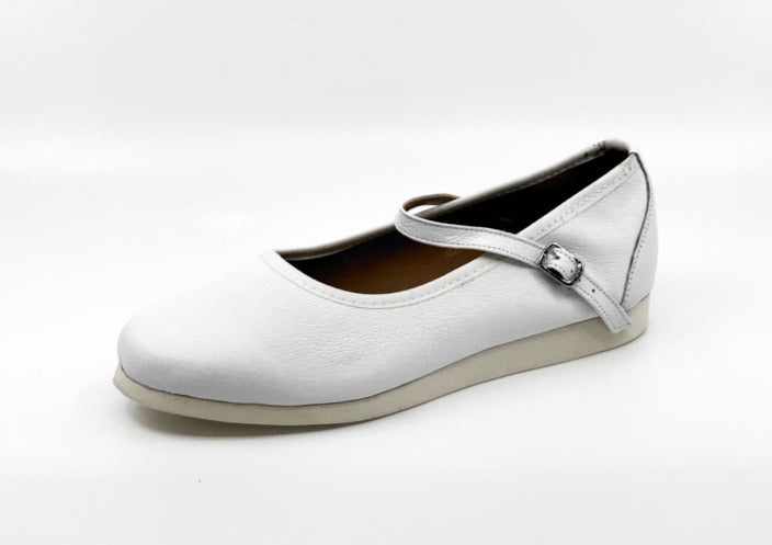 Ladies white classic rock'n'roll dance flats by My Juju Dance Fever.   Hand crafted with carefully selected genuine leather for upper and inner   Single strap with elastic buckle for a stronger hold and added movement   Elegant, closed-toe design   Flat cushioned, smooth rubber sole enables you to dance on all surface types!  Super lightweight for fast movements on the dance floor.  Gel innersole for long lasting cushioned support   Stylish & comfortable design with fantastic versatility for all types of da