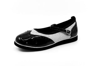 Ladies premium black & silver glitter wingtip style classic rock'n'roll dance flats by My Juju Dance Fever.   Hand crafted with carefully selected genuine leather for upper and inner   Single strap with elastic buckle for a stronger hold and added movement   Elegant, closed-toe wingtip design   Flat cushioned, smooth rubber sole enables you to dance on all surface types!  Super lightweight for fast movements on the dance floor.  Gel innersole for long lasting cushioned support   Stylish & comfortable design