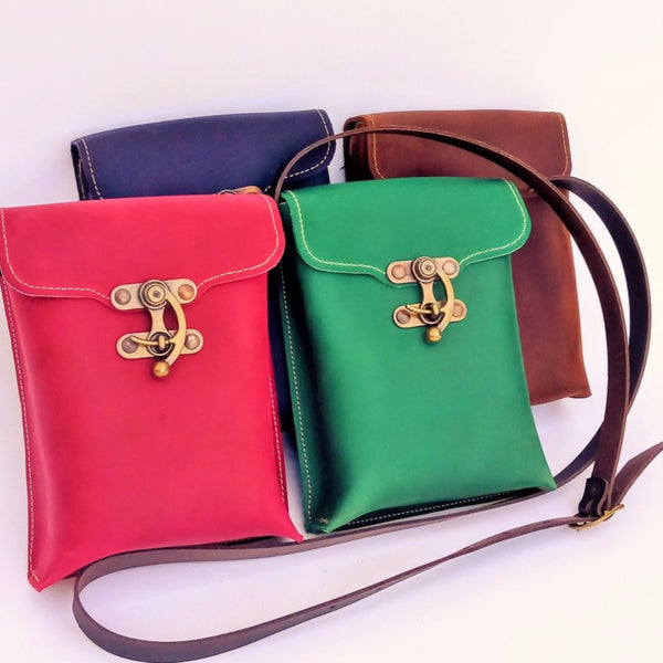 Small shoulder bag in a variety of colours