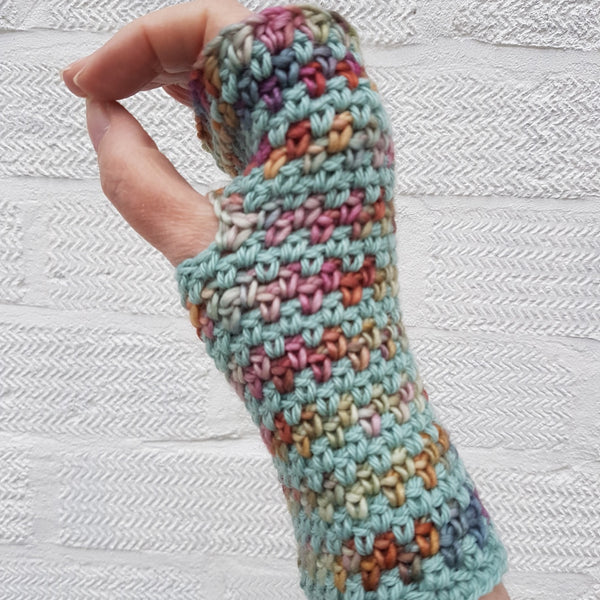 •	British Wool and Alpaca Fingerless Gloves