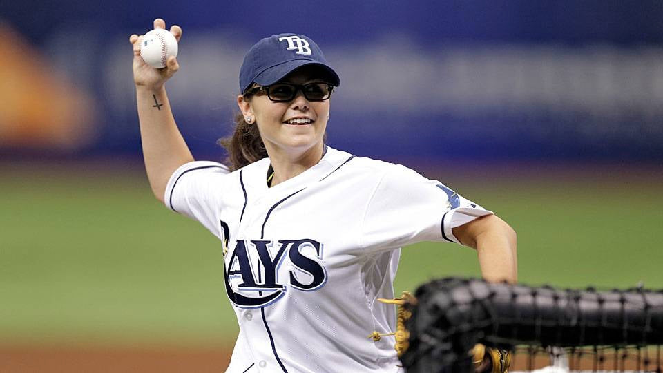 Teen Female Knuckleballer Tosses BP for Rays