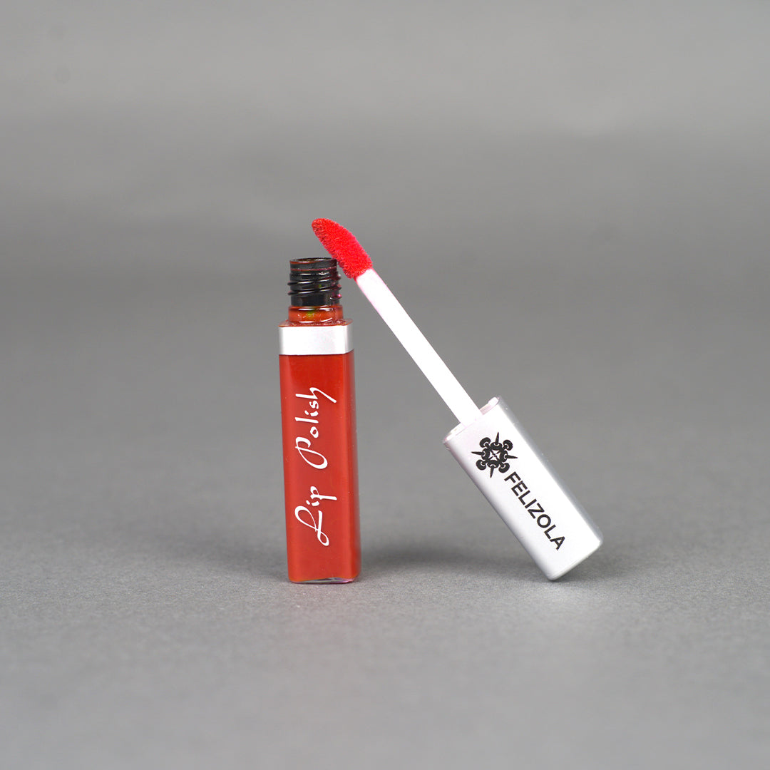Lip Gloss that pampers your lips with long-lasting shine with a hint of sweet orange oil.