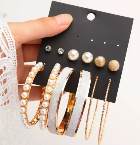 Stud and pearl Earrings