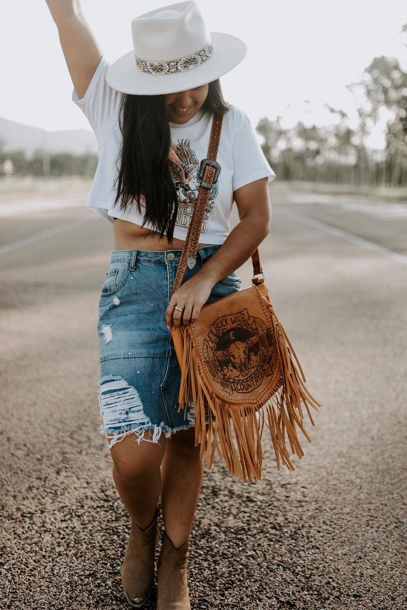 DESERT DREAMS WHITE CROP TEE