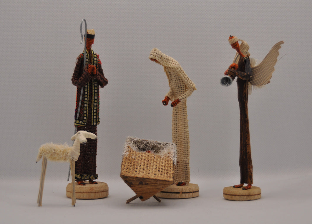 Nativity set of 5 pieces with box for storing