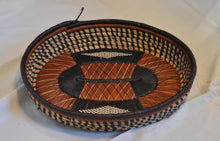Load image into Gallery viewer, Woven Oval Basket