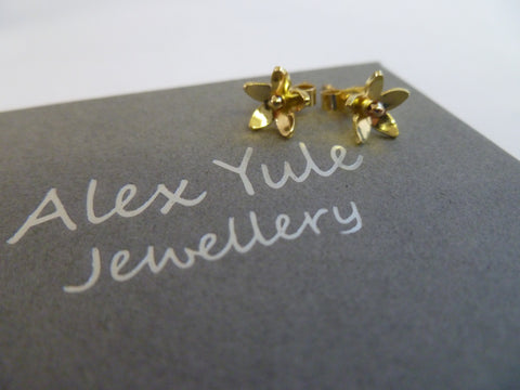 Solid 18ct Gold Star Flower Studs