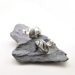 Mussel Stud Earrings (Single)