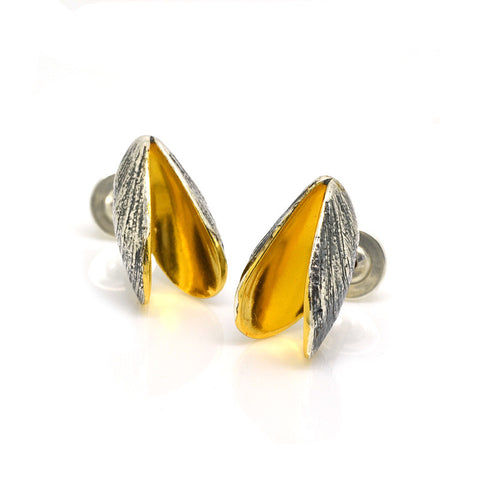 Mussel Stud Earrings (Double)