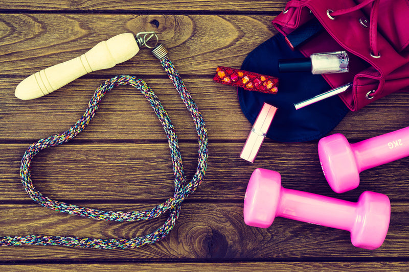 workout-weights-and-skipping-rope-for-fitness