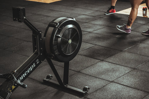 rowing-machine-at-gym