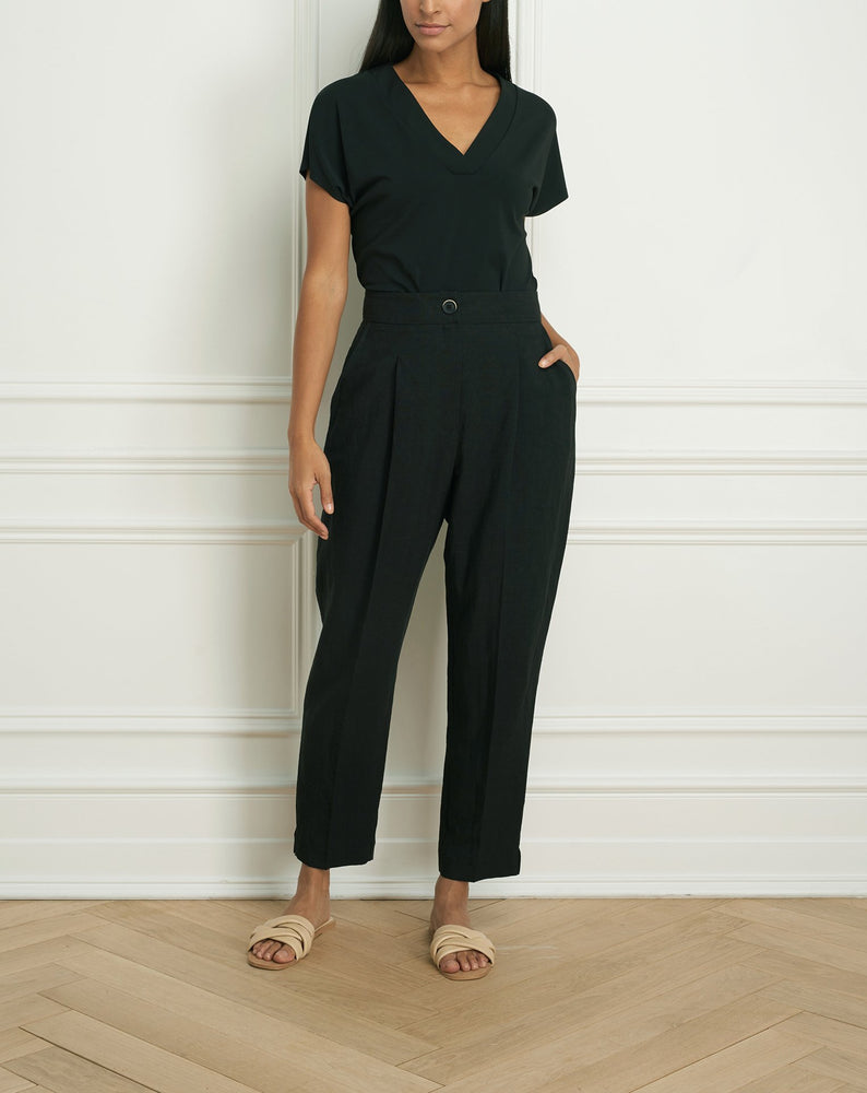 Crop pant with front pleat