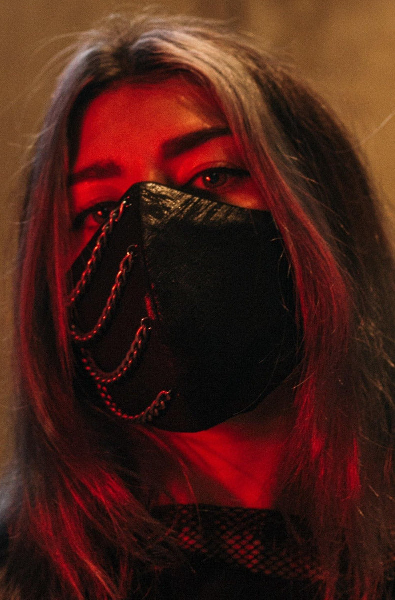 """BLACK CHAINED"" Mask"