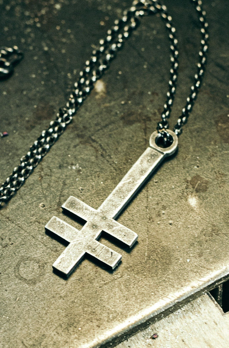 "HEX ""Liberation"" Slim Necklace (925 Silver)"
