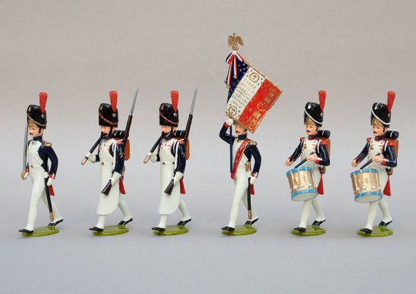 Set 110 Grenadiers à Pied, Head of Column, 1st Empire | French Infantry | Napoleonic Wars | Set of six men, one officer with sword, one ensign with colours and battle honours, two drummers and two pioneers marching | Waterloo | © Imperial Productions | Sculpt by David Cowe
