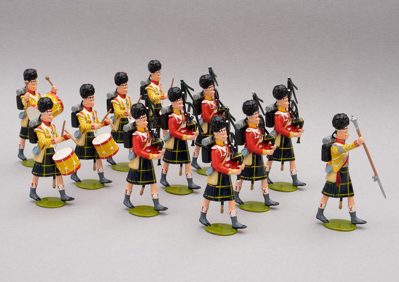 Set 121a Pipe band of the Gordon Highlanders, Waterloo 1815 | British Infantry | Napoleonic Wars | Combined sets 121 and 121a showing the combined Gordon Highlanders Pipe Band 1815 | Waterloo | © Imperial Productions | Sculpt by David Cowe