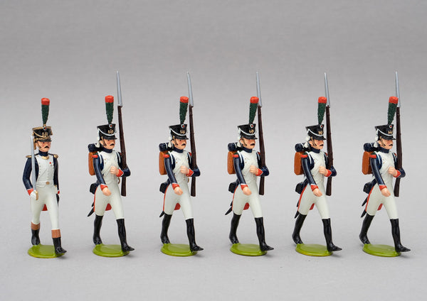 Set 124 Fusiliers-Chasseur | French Infantry | Napoleonic Wars | An elite alternative to the Old Guard.  This set has six men, one officer with sword and five men marching at slope arms | Waterloo | © Imperial Productions | Sculpt by David Cowe