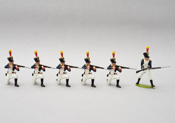 Set 137 Voltigeurs Line Infantry | French Infantry | Napoleonic Wars | Five men kneeling, one reloading | Waterloo | © Imperial Productions | Sculpt by David Cowe