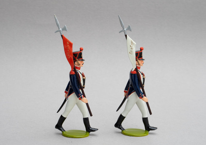 Set 138/1 French Line Infantry Head of Column | French Infantry | Napoleonic Wars | Head of Column, two escorts armed with a halberd with pennon | Waterloo | © Imperial Productions | Sculpt by David Cowe