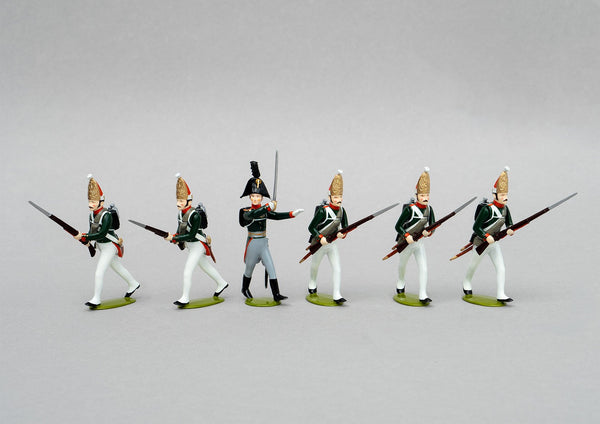 Set 151 Pavlovski Grenadiers, 1806 | Russian Infantry | Napoleonic Wars | Five men with mitre cap advancing, one officer | Waterloo | © Imperial Productions | Sculpt by David Cowe