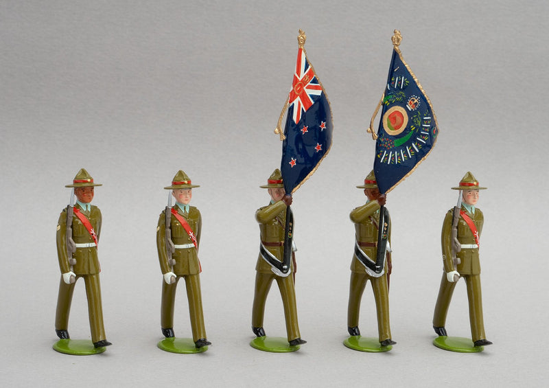 Set NZ8 1st Battalion Royal New Zealand Infantry Regiment, Colour Party | NZ Infantry | New Zealand | Colour Party, set of five men composed of two subalterns who bear the colours, a warrant officer and two colour sergeants. | © Imperial Productions | Sculpt by David Cowe