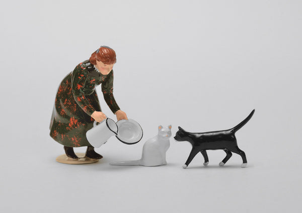 Set 21 Girl with Cats | Victorian Children and Animals | Town and Around | © Imperial Productions | Sculpt by David Cowe