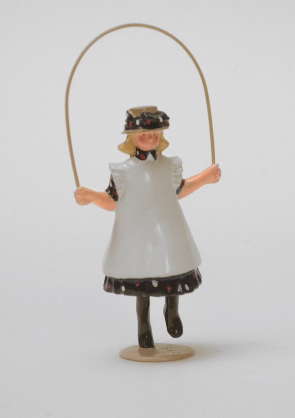 Set 03 Girl with skipping rope | Victorian Children | Town and Around | © Imperial Productions | Sculpt by David Cowe