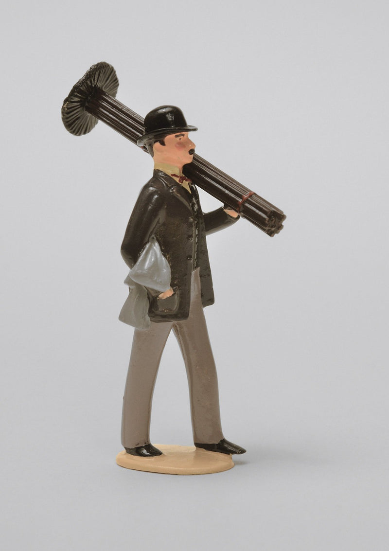 Set 48 The Chimney Sweep | Victorian Man | Town and Around | © Imperial Productions | Sculpt by David Cowe