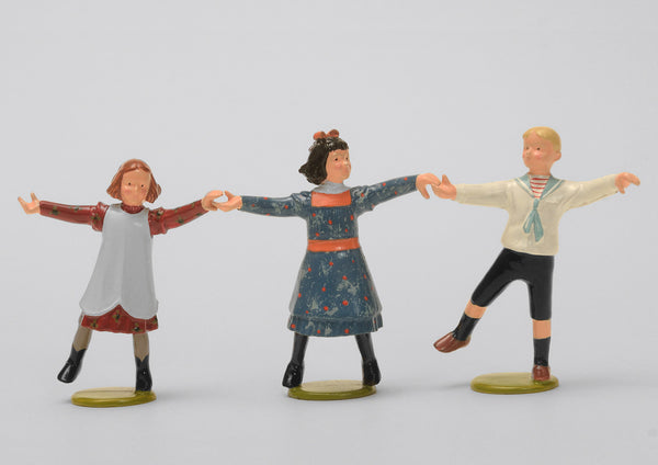 Set 60 Ring a ring o' roses | Victorian Children | Town and Around | © Imperial Productions | Sculpt by David Cowe