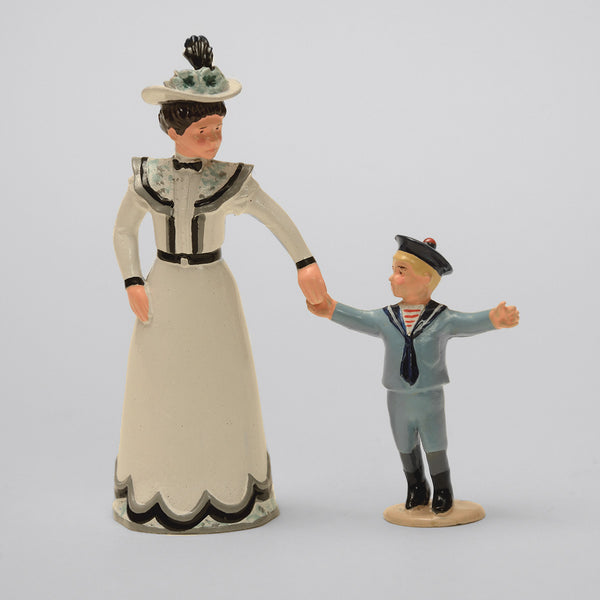 Set 63 Mother and Son | Victorian Lady and Children | Town and Around | © Imperial Productions | Sculpt by David Cowe