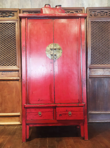 ARMOIRE ANCIENNE CHINOISE LAQUÉ ROUGE EN FIRWOOD