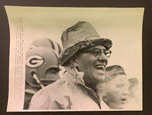 Load image into Gallery viewer, 1965 Vince Lombardi Green Bay Packers Vintage Wire Press Photo NFL Champion