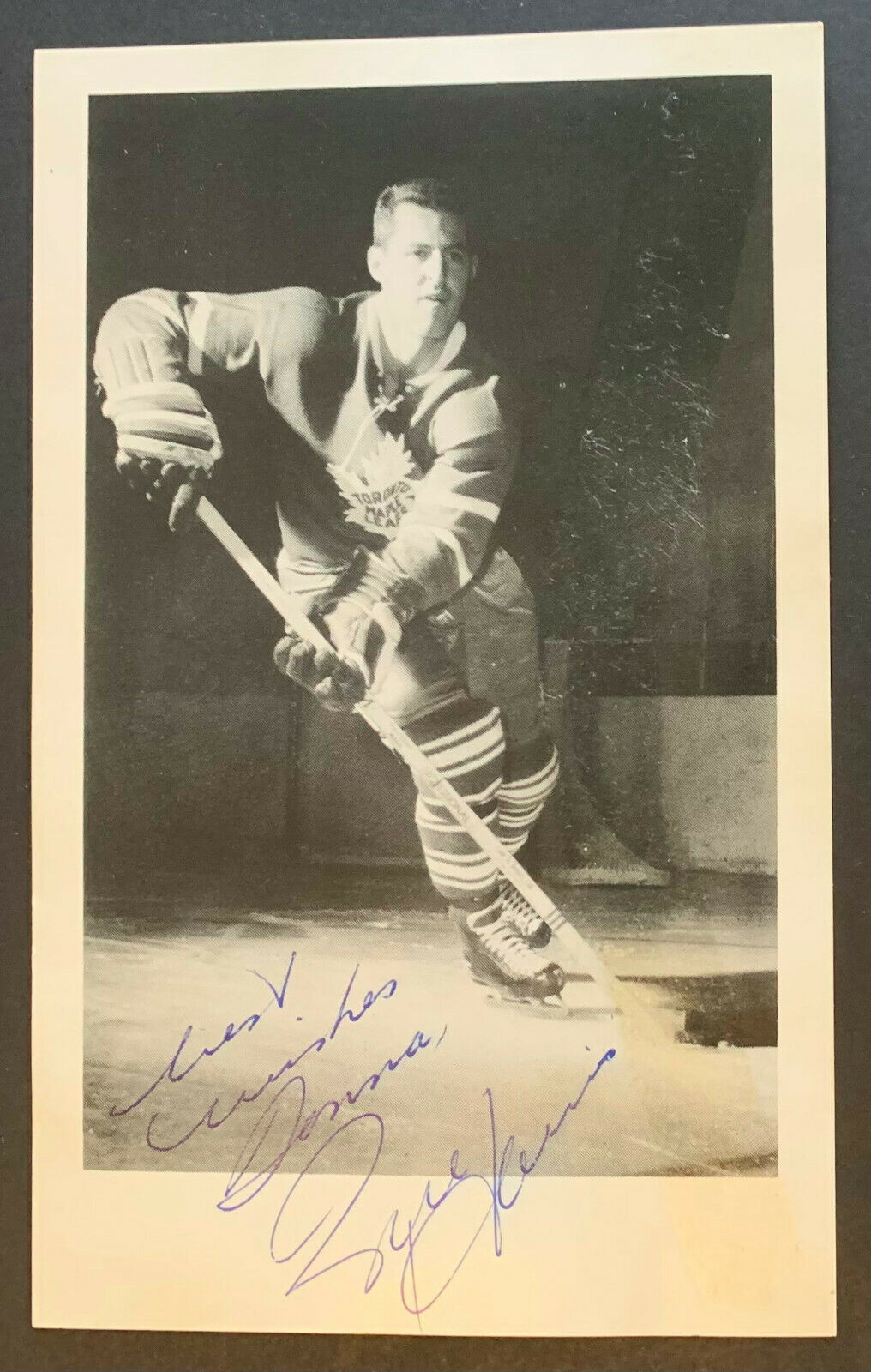 1961 NHL Hockey Billy Harris Toronto Maple Leaf Autographed Photo & Envelope