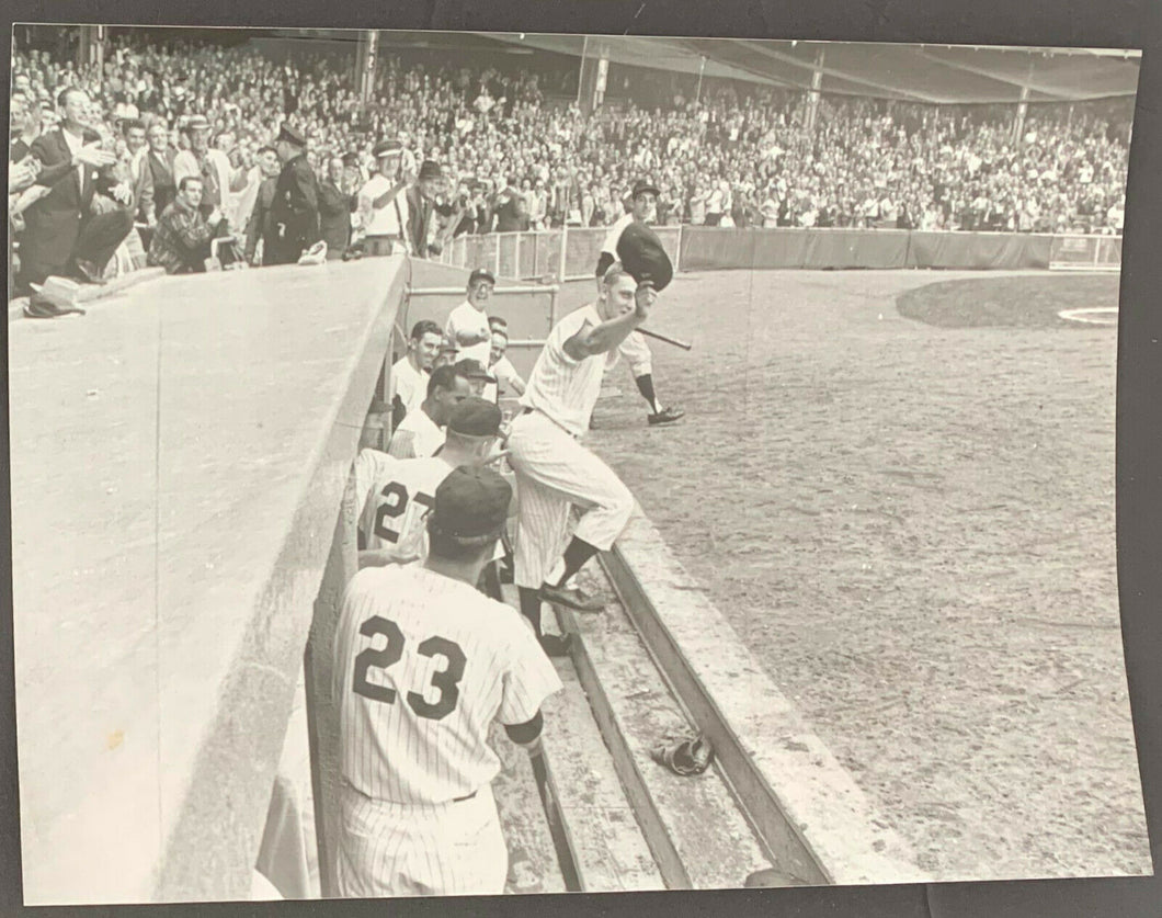 1961 Roger Maris Curtain Call After Blasting 61st Home Run Important Photo