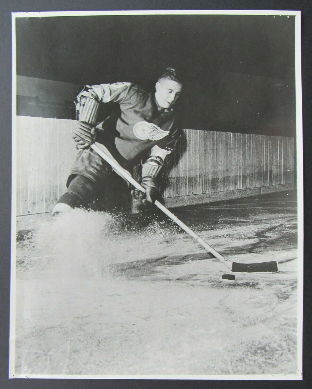 1940s NHL Hockey Detroit Red Wings Ted Lindsay Original Team Issued Photo Vtg