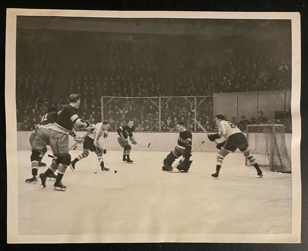 1938 NHL Hockey Vintage Gameplay Press Photo New York Rangers v Americans MSG