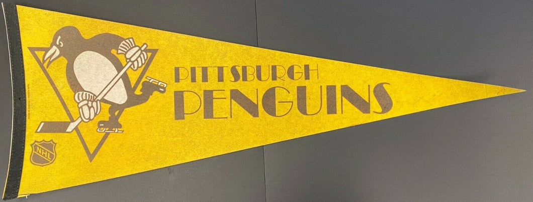 Pittsburgh Penguins NHL Hockey Pennant Vintage Sports Full Size Sharp Tip