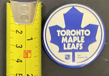 "Load image into Gallery viewer, 1972 Vintage NHL 1-3/4"" Pinback Buttons (5) Toronto Maple Leafs New York Rangers"