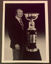 Load image into Gallery viewer, Vintage Rare Photo Bobby Hull With WHA Avco Cup World Hockey Association Trophy