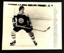 Load image into Gallery viewer, Bobby Orr 1972 UPI Press Photo Original Boston Bruins Vtg NHL Hockey
