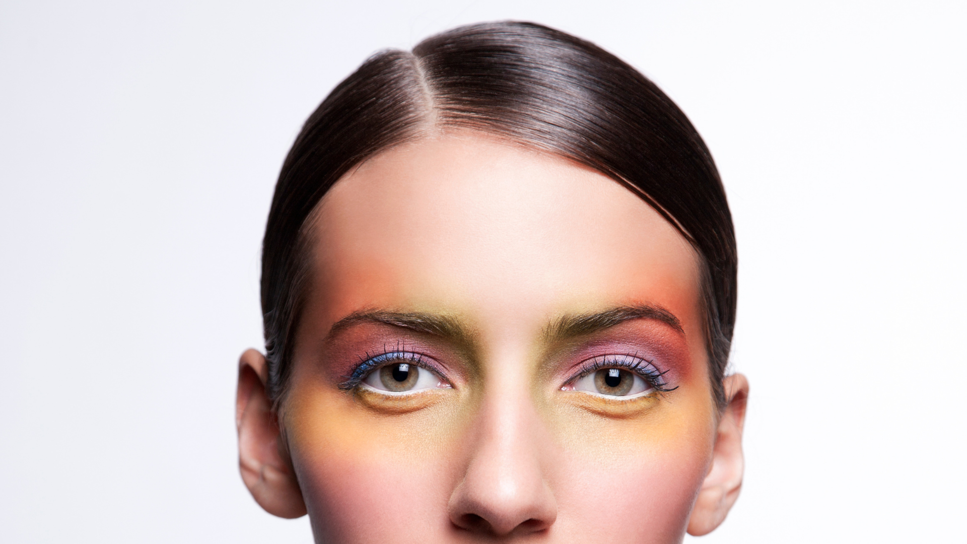Under eyeshadow is going to be a beauty trend in 2022