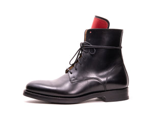 LACE-UP BOOT BLACK PULL-UP