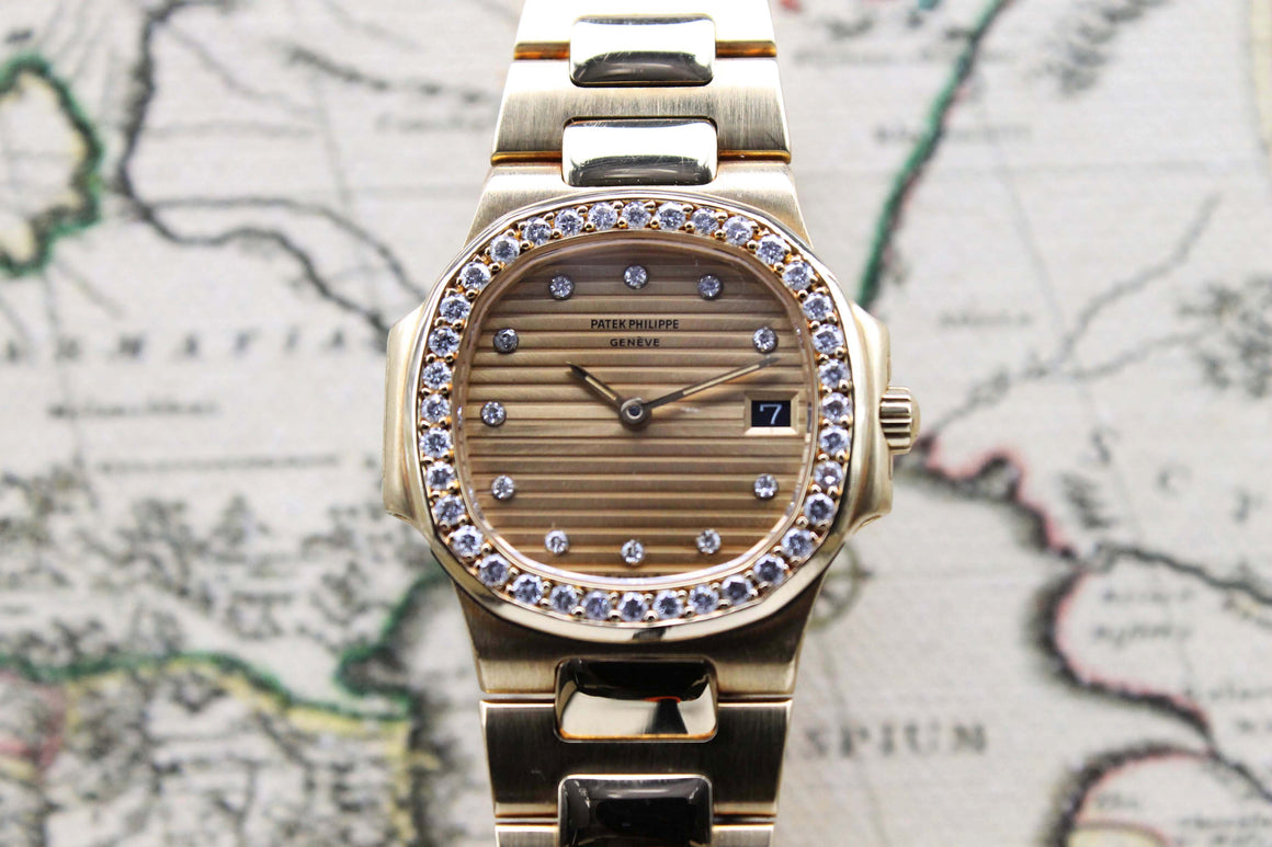 Patek Philippe Nautilus Ladies Ref. 4700 Year 1985