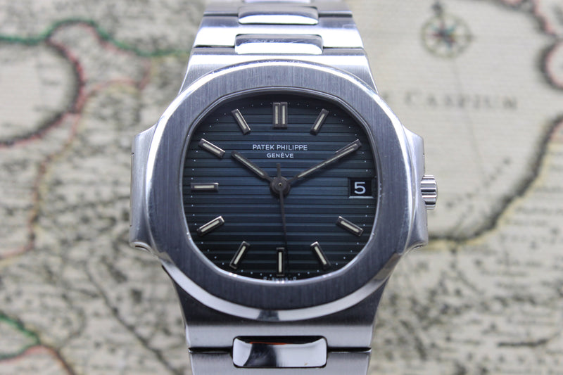 Patek Philippe Nautilus Ref. 3800 Year 1985 (with Box & Papers)