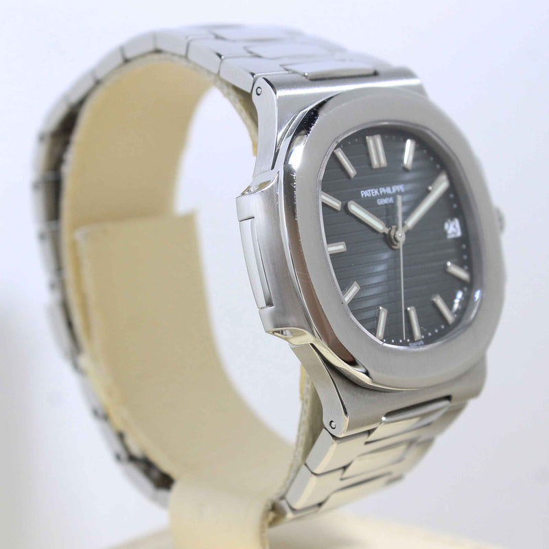 2011 Patek Philippe Nautilus Ref. 5800 (Full Set)