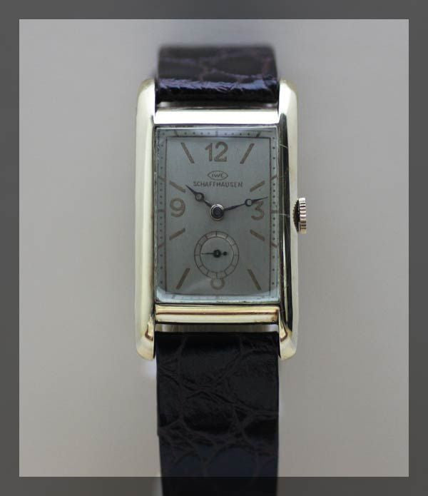 IWC Dress Watch 1930s (1.2.166) - Momentum Dubai