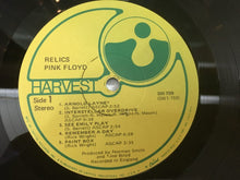 Load image into Gallery viewer, Pink Floyd ‎– Relics - A Bizarre Collection Of Antiques & Curios, Vinyl LP, Harvest ‎– SW-759, 1971, USA