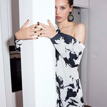 Load image into Gallery viewer, Asymmetric flowers Dress