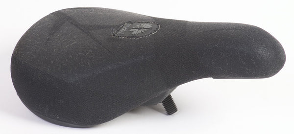 SEASON Pivotal Slim Grey Embossed  Seat  match bumps