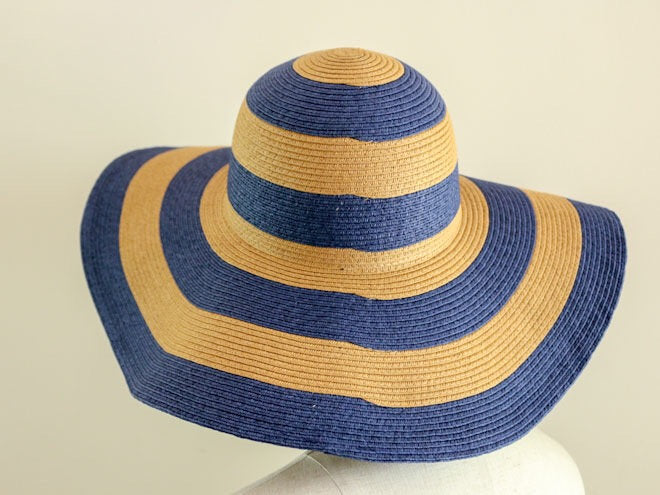"Stripe Floppy Hat ""Liz Navy"""
